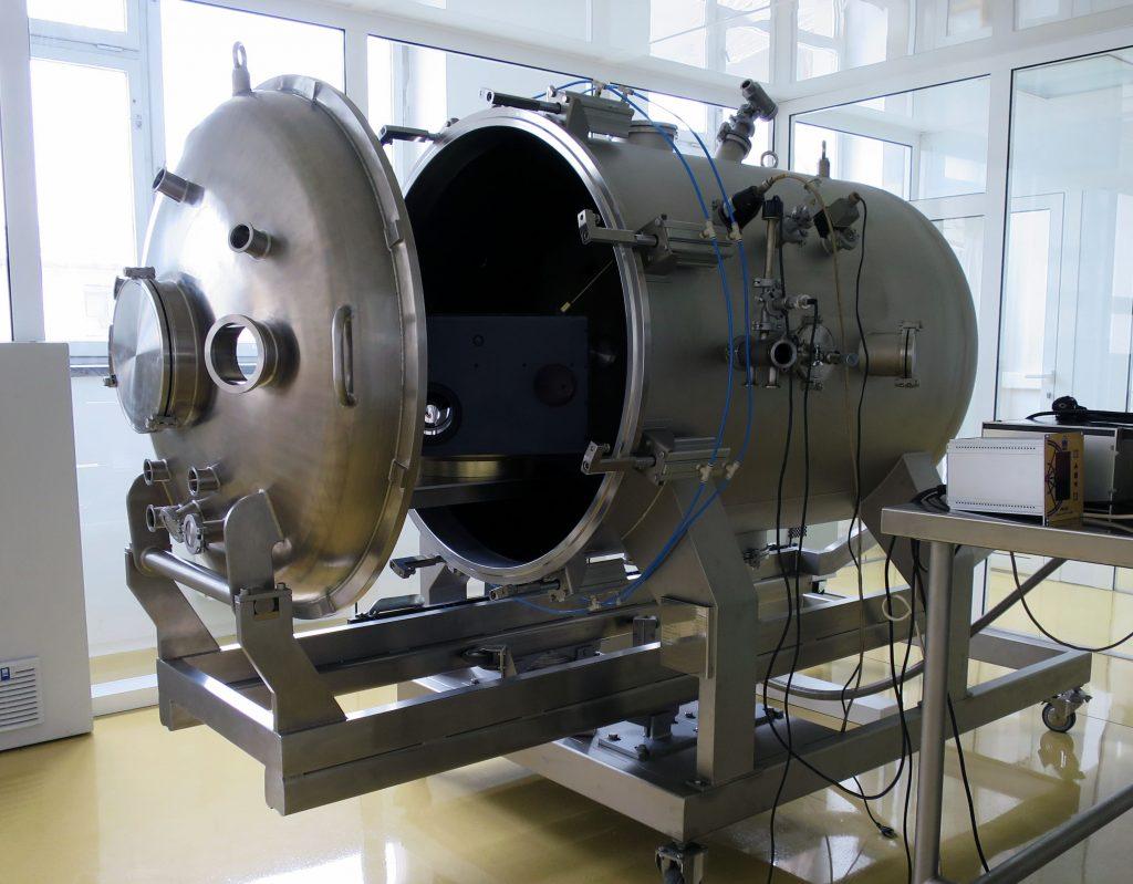Custom And Practice >> Vacuum chambers - Vacutech